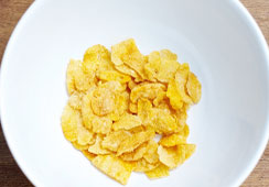 Dry flaked cereal - 3 heaped tablespoons of cornflakes