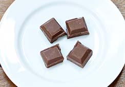 4 squares of milk chocolate