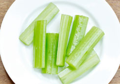7 small sticks of celery