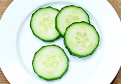 4 slices of cucumber