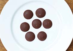 7 small milk chocolate buttons