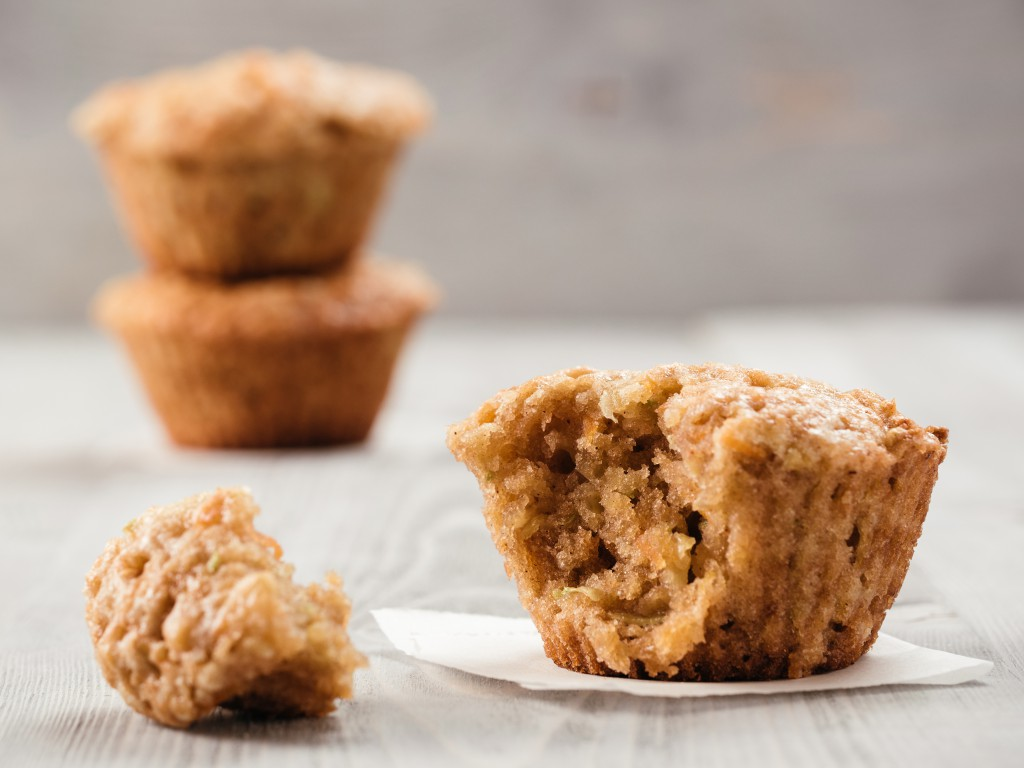 Muffins with zucchini, carrots, apple and cinnamon